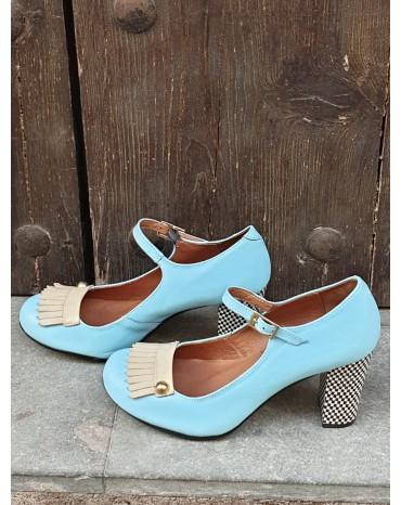 Zapato flecos celeste
